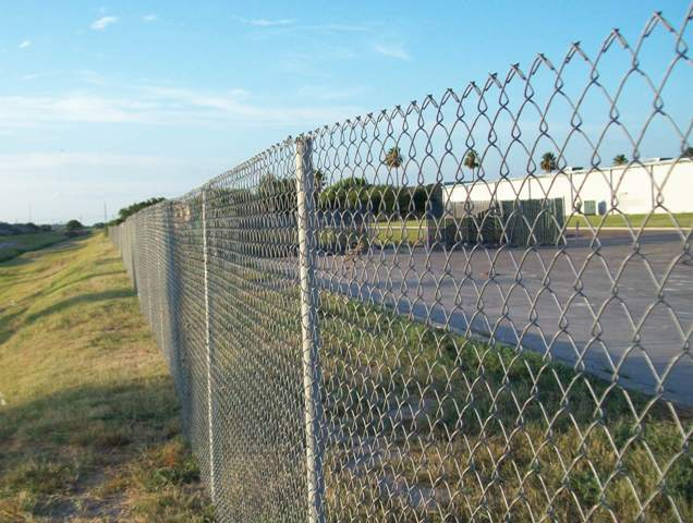 натяжной забор из сетки рабицы