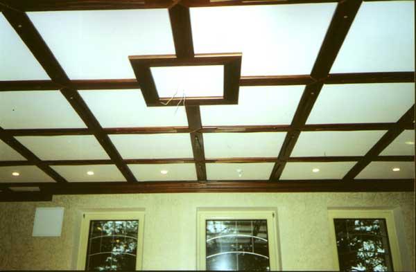 Потолки из оргстекла на специальном деревянном профиле