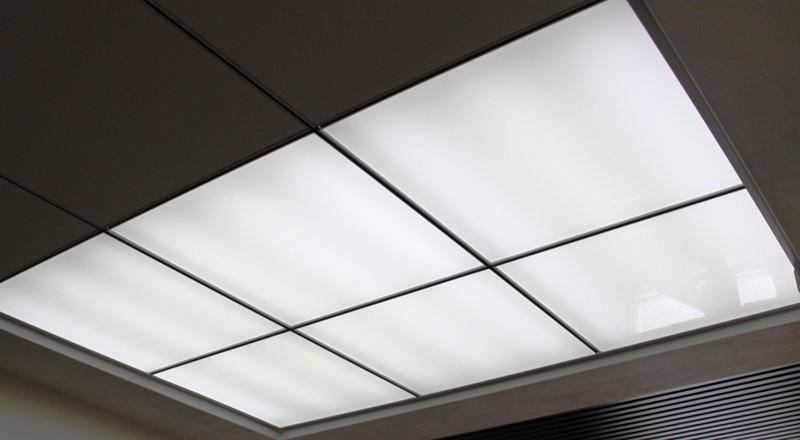 Матовый потолок из оргстекла с подсветкой