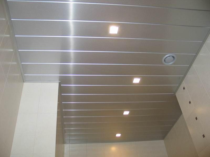 Реечные потолки для ванной и кухни