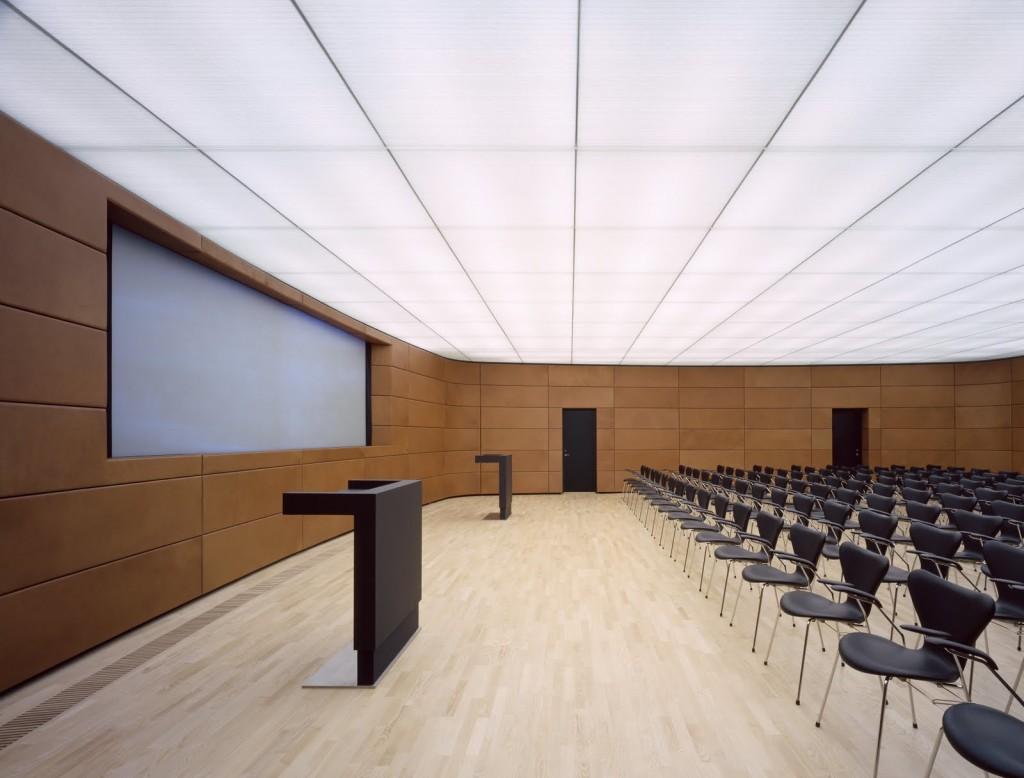 матовый потолок из оргстекла в стиле хайтек
