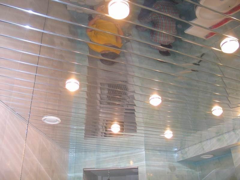 стальной реечный потолок