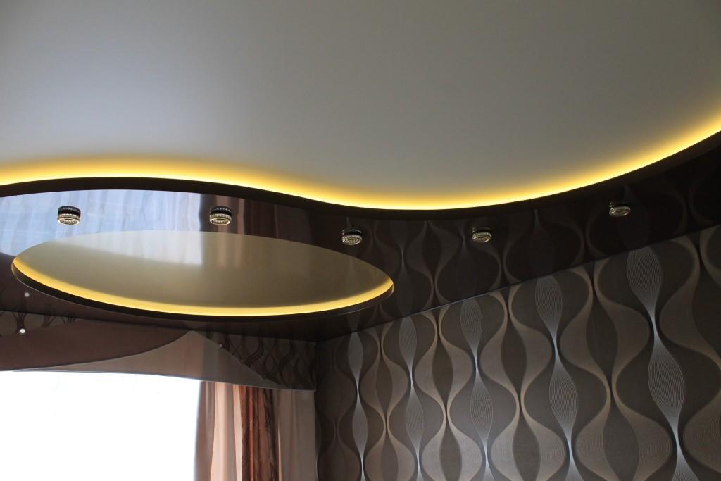 Двухуровневые потолки на кухню под ключ в Санкт-Петербурге недорого
