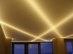Контровая подсветка потолка