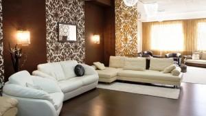 Современная отделка стен в гостиной