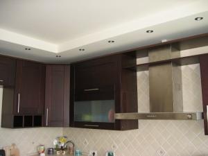 Двухуровневый потолок на кухне из гипсокартона