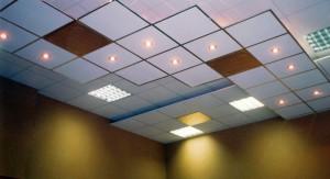 Модульный потолок Армстронг со светильниками