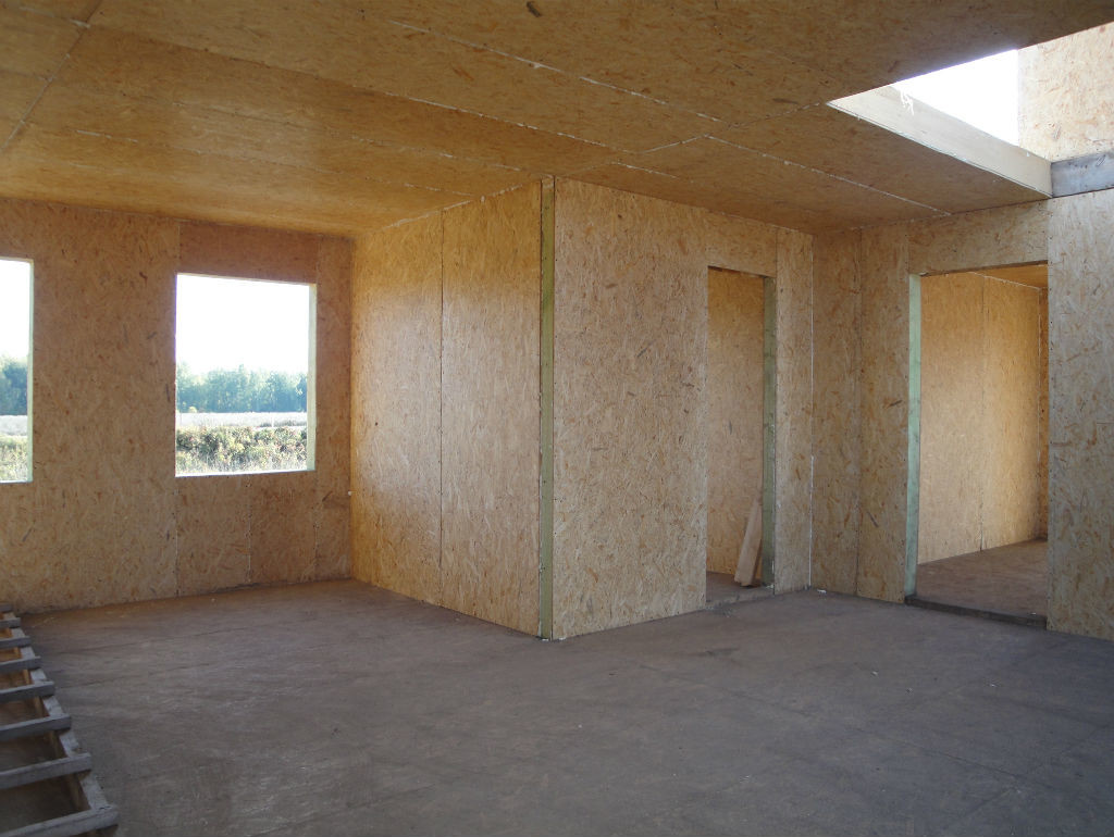 Стены с черновой отделкой из сип-панелей