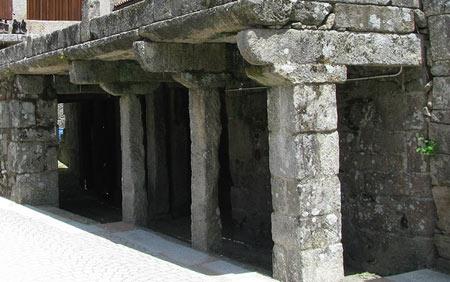 каменный навес