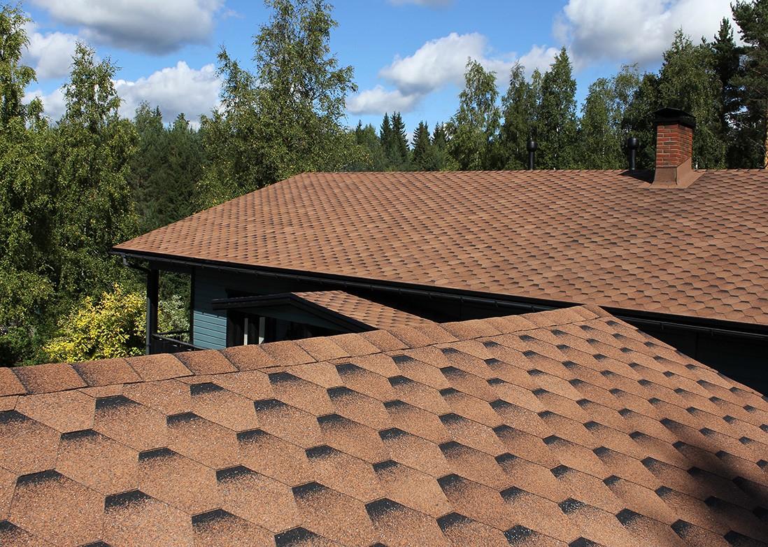 Крыша покрытая битумной черепицей