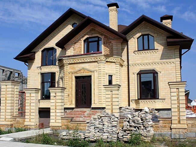 дагестанский камень на фасаде