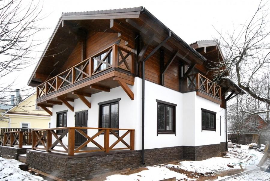 Комбинированный дом из клееного бруса. Всегда есть возможность дом обложить кирпичом или сайдингом