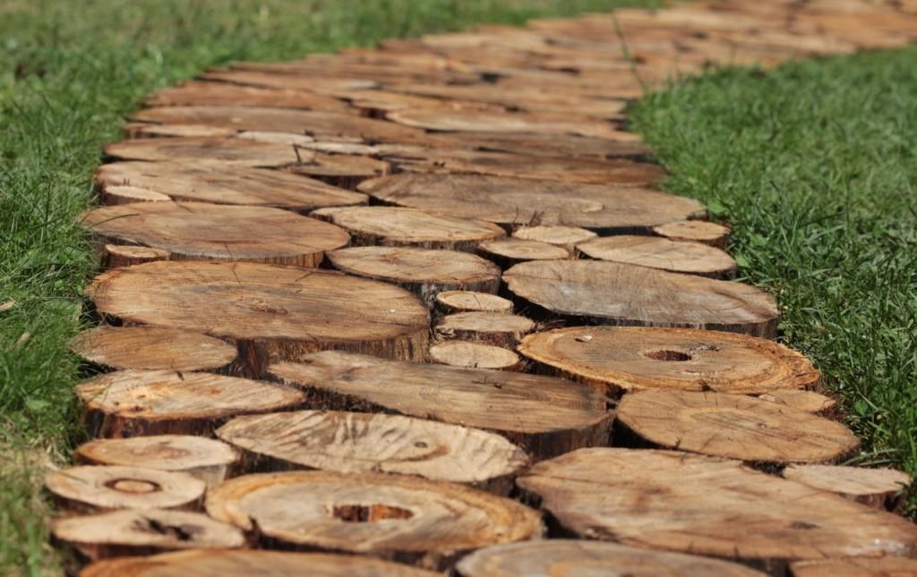 деревянная садовая дорожка