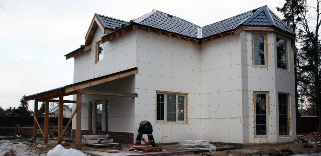 Каркасный дом утепляется внутри и с наржи