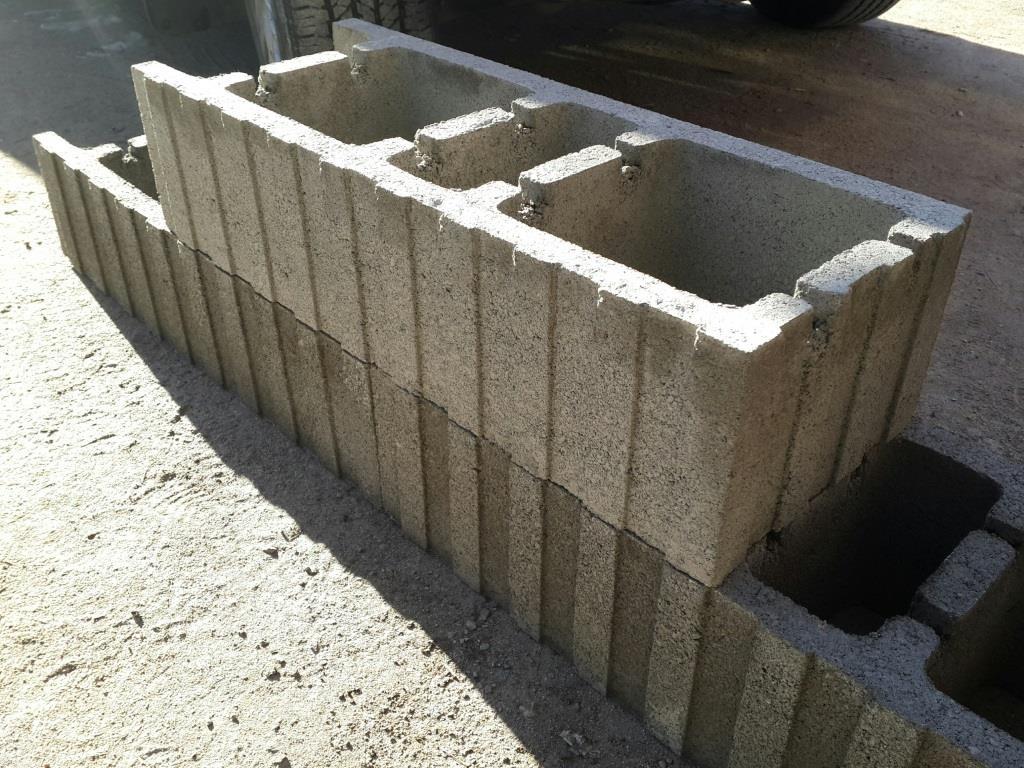 формирование фундамента несъемной опалубки из блоков