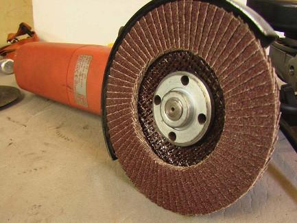 болгарка с диском для обработки сруба