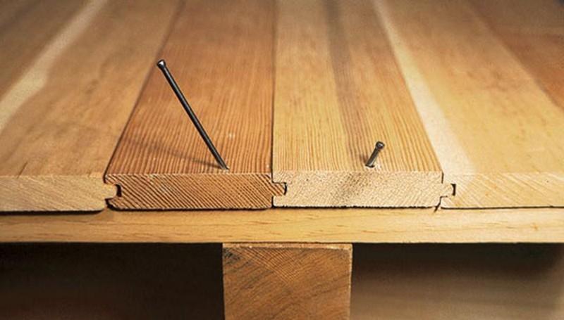 крепление деревянного пола к лагам