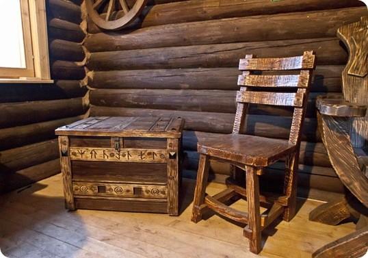 состаренная деревянная мебель
