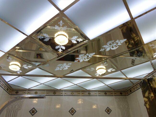 Зеркальный потолок с напылением