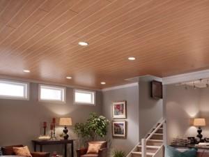 Ламинат на потолке с точечными светильниками
