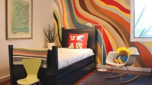 Разноцветная покраска стен