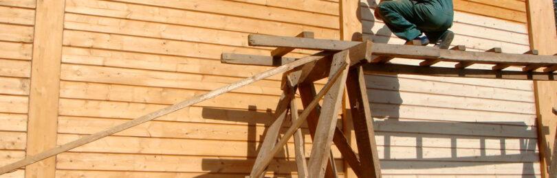 Обработка стен деревянного дома для увеличения срока службы