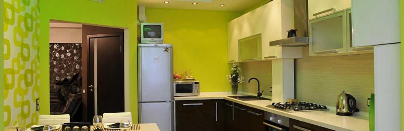 Варианты отделки потолка на кухне