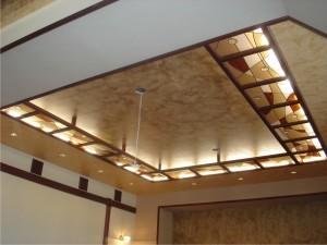 Подвесной витражный потолок