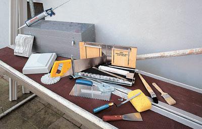 инструменты для монтажа лепнины