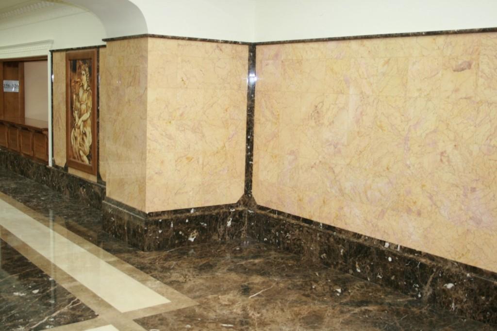 стена из мрамора