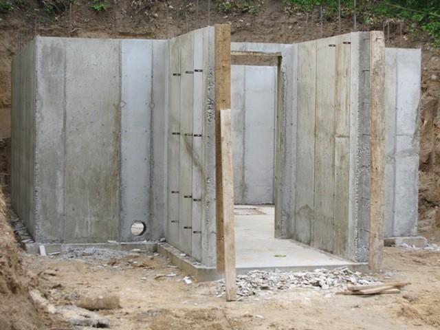 Этап 2 - Стены после снятия опалубки передняя часть стены