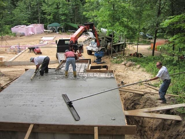 Этап 3 - выравнивание и шлифовка перекрытия бетоном