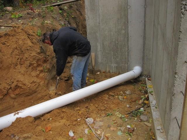 Этап 4 - прокладка коммуникаций (вентиляция) монтаж притока - нарашивание трубы