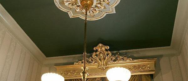 Люстры под потолок: выбираем и монтируем