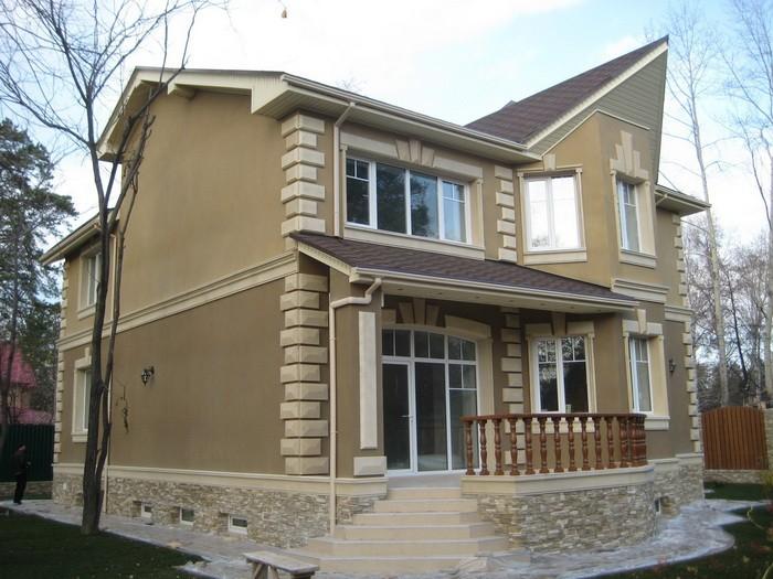 внешний вид дома отделанный с помощью фасадной штукатурки