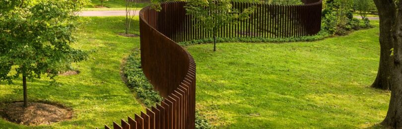 Особенности строительства забора с учетом ландшафтного дизайна