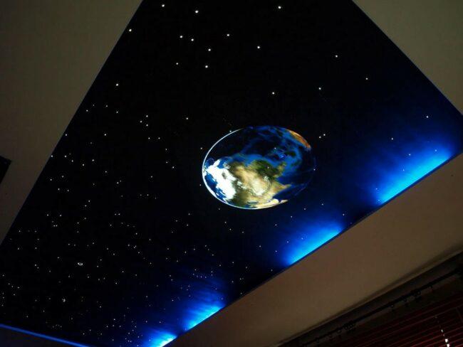Потолок звездное небо с помощью оптоволокна