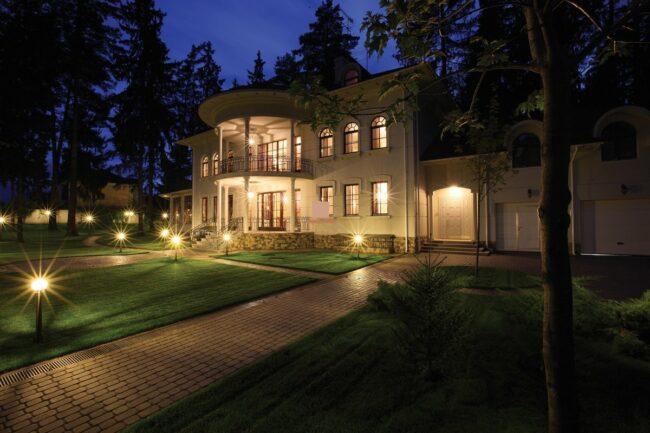 подсветка дома и участка