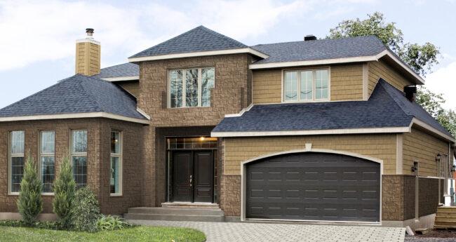 Дом с отделкой фасада панелями