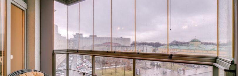 Панорамный вид из балкона: технология безрамного остекления