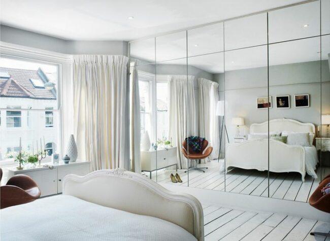 Зеркала в маленькой комнате для увеличения объема