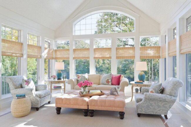 Необычные окна в загородном доме