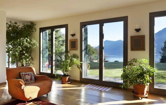 Окна в загородном доме