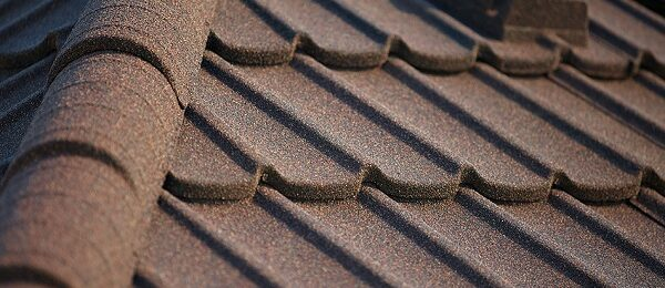 Металлочерепица — отличный материал для отделки крыши