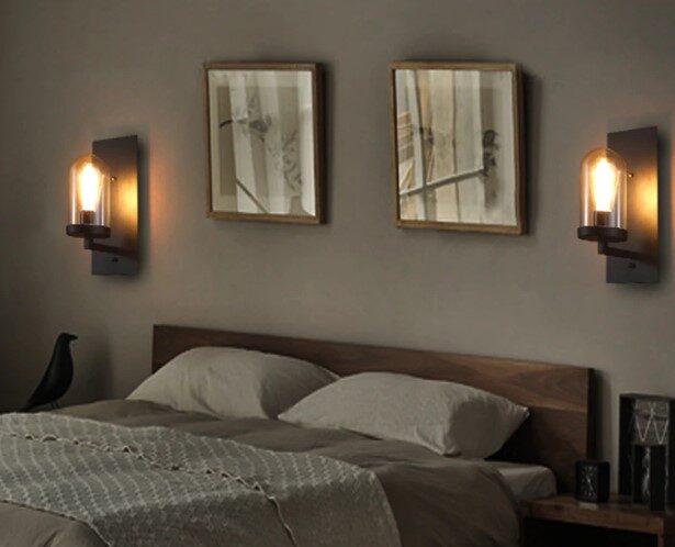 Настенные светильники над кроватью в спальне