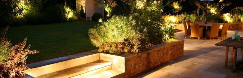 Украшение садового участка светодиодными элементами