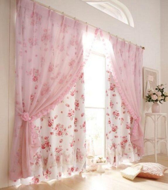 нежно-розовые шторы в стиле шебби-шик
